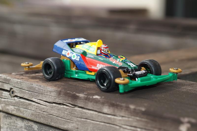 F1ミニ四駆 ベネトン・フォード/ネルソン・ピケ搭乗風 スーパーセイバー